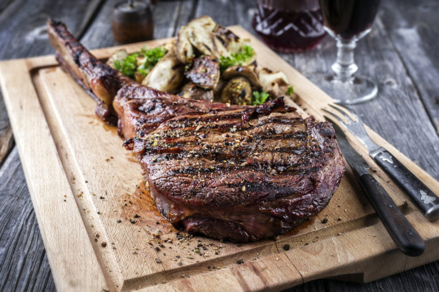 tomahawk-steak-900x600.jpg